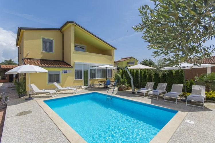 Appartement met zwembad met wifi  IstrieApartment Complex Laura Nova Vas \/ Apartment Laura C with Balcony and Pool View