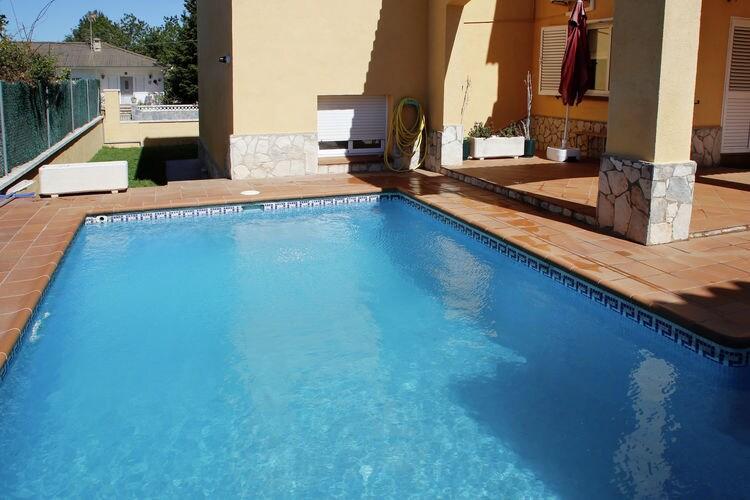 Villa huren in Costa Dorada - met zwembad  met wifi met zwembad voor 8 personen  Deze villa met privézwembad ligt ..