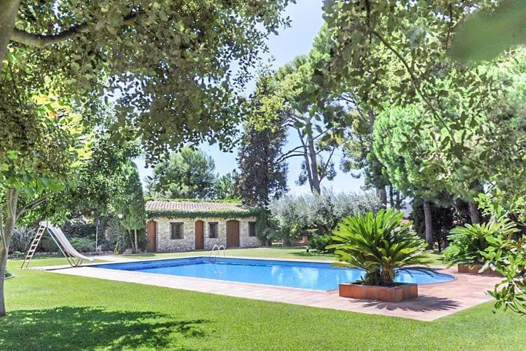 Costa Dorada Vakantiewoningen te huur Twee gerestaureerde middeleeuwse huizen voor 30 personen met prive zwembad