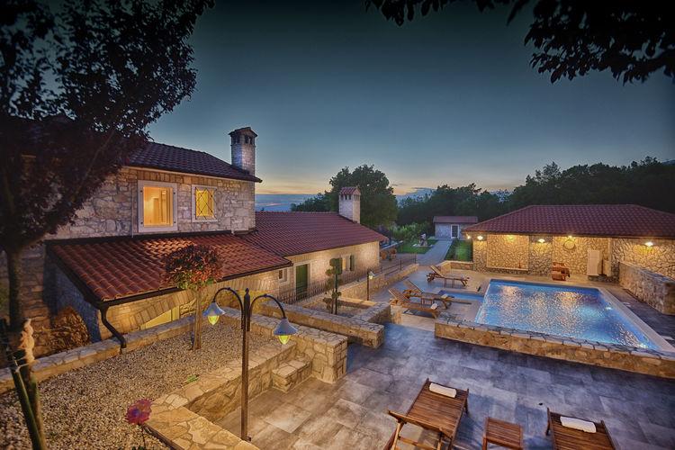 Labin Vakantiewoningen te huur Uitzonderlijke villa met privé zwembad. Uit de keuken en hertenboerderij!