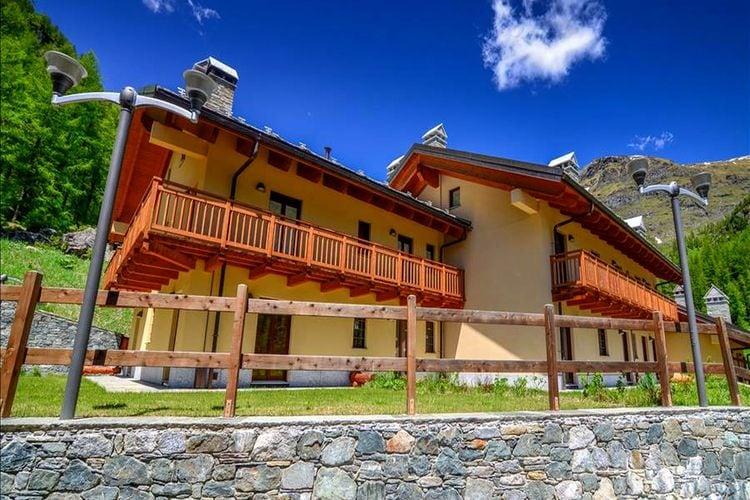 Val-daosta Chalets te huur Accommodatie in lokale bergstijl, op maar enkele honderden meters van de skiliften vandaan