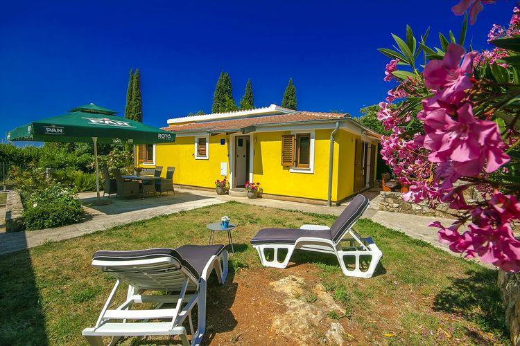 ROVINJ Vakantiewoningen te huur Leuk vrijstaand huis aan de rand van Rovinj, slechts 400 m van het strand
