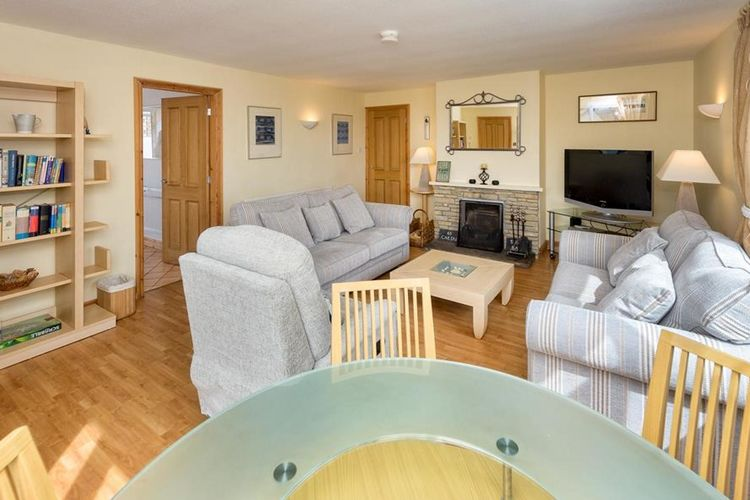 Ref: GB-00005-39 3 Bedrooms Price