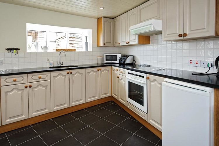 Ref: GB-00005-49 3 Bedrooms Price