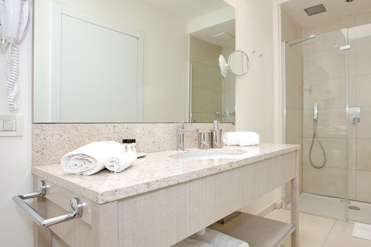 Ref: HR-23210-12 2 Bedrooms Price