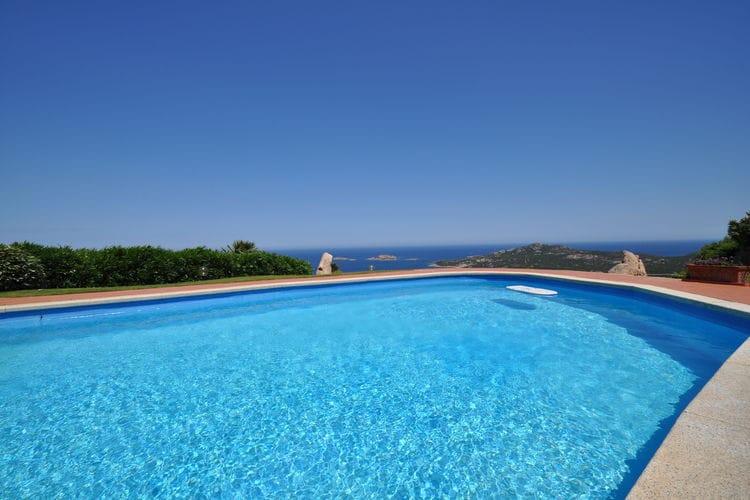 Grote villa in Porto Cervo met zeezicht en privézwembad.