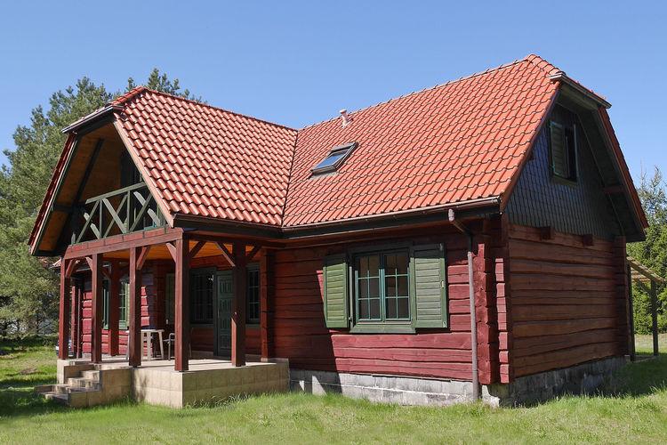 Mooi huis in het Kashubian dorp - 3 km van de zee. 2 woonkamers, 3 slaapkamers, grote tuin