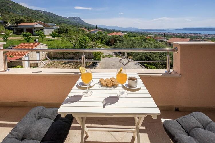 Appartement Kroatië, Dalmatie, Kastel Stari Appartement HR-21216-06