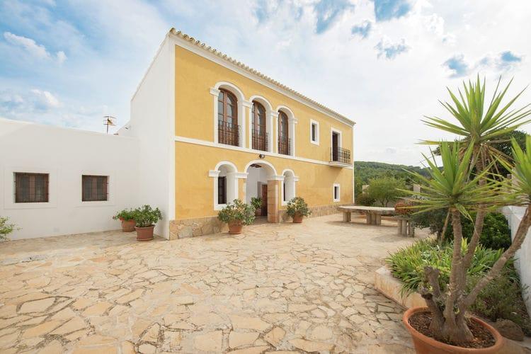 Santa-Gertrudis Vakantiewoningen te huur Finca in Ibiza-stijl met prachtig zwembad en meerdere terrassen