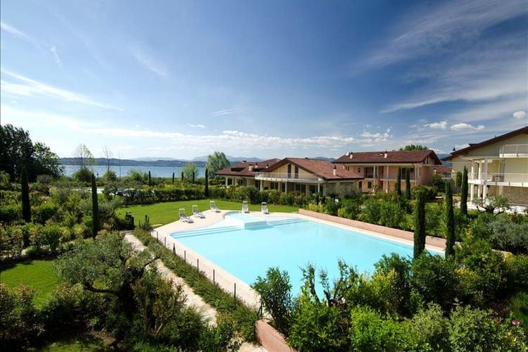 Appartement met zwembad met wifi  SirmioneResidenza Caesar - Catullus M14