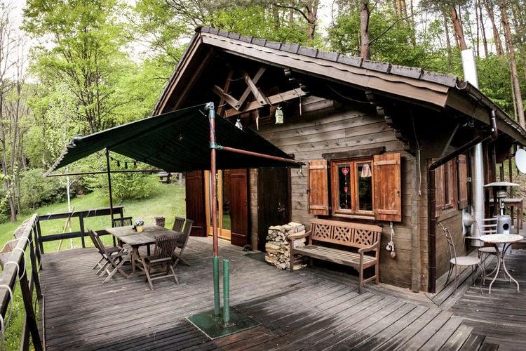 Chalet    Bousseviller  Knus houten chalet met privé sauna in de Moesel in bossen met mooi uitzicht