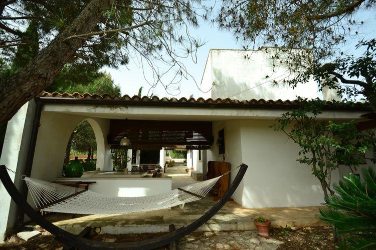 Puglia Vakantiewoningen te huur Omgeven door natuur zal dit vrijstaande huis ontspanning en veel privacy geven!