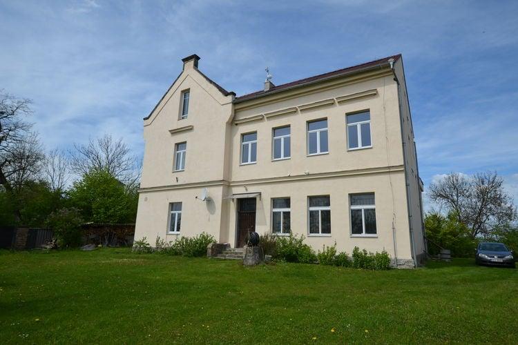 Vakantiehuizen Tsjechie | Praagomgeving | Appartement te huur in Orasice   met wifi 4 personen