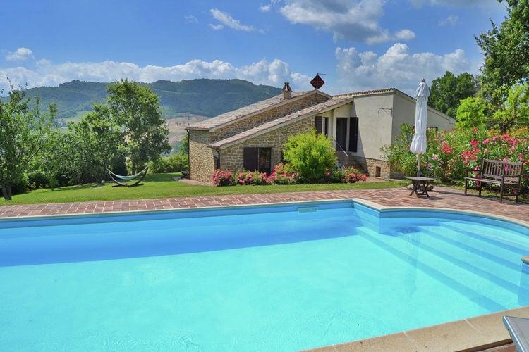 Villa huren in Pergola - met zwembad  met wifi met zwembad voor 6 personen  Villa Paradiso is een mooie stenen..