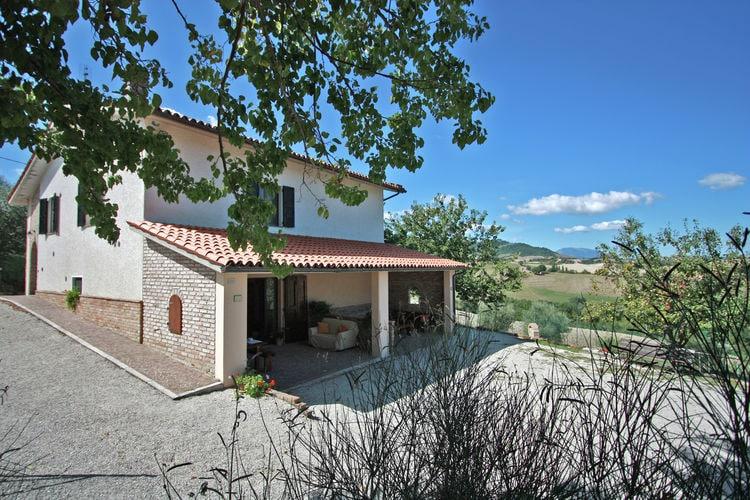 Villa met zwembad met wifi  Pergola  Sfeervolle villa met privézwembad, panoramisch uitzicht, 30 km van zee