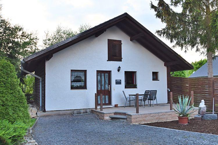 Thuringen Vakantiewoningen te huur Vakantiewoning met terras, grote tuin en speel- en recreatieschuur
