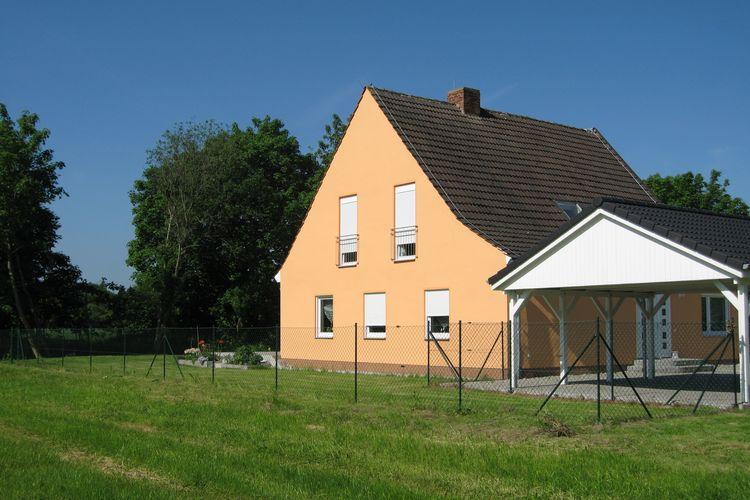 Ostsee Vakantiewoningen te huur Ruim opgezet vakantiehuis met terras