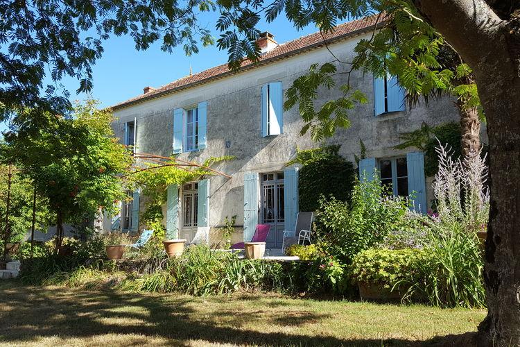 Cote Atlantique Vakantiewoningen te huur Landhuis met prachtig uitzicht, heerlijk zwembad en volledige privacy!