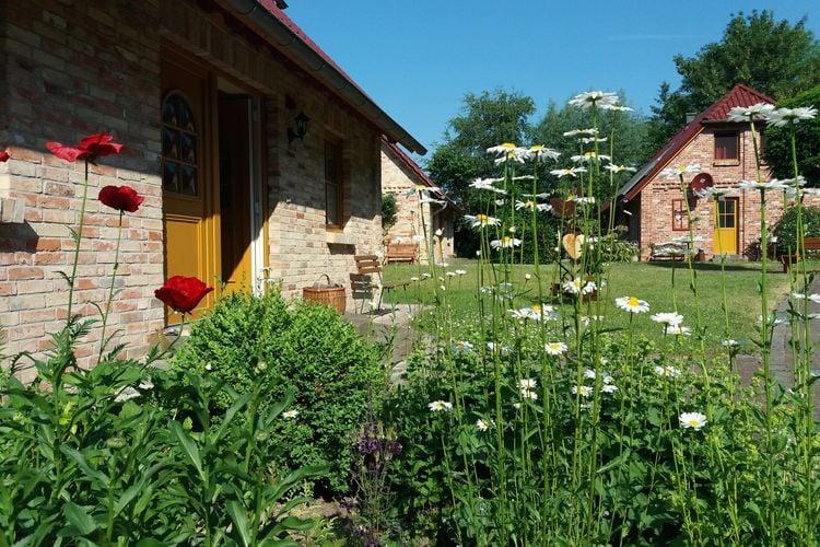 Ferienhof Landhäuser mit Kamin Sauna Spielplatz Mechelsdorf Baltic Sea Region Germany