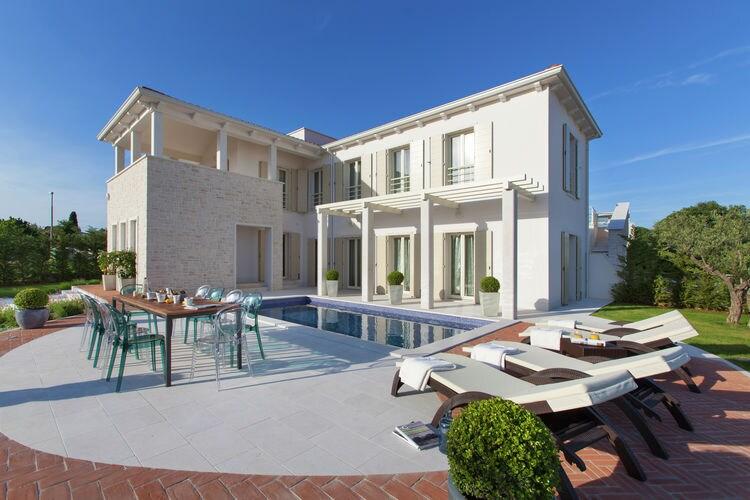 Vabriga Vakantiewoningen te huur Fantastische villa met ruime tuin met privé zwembad en ligbed, met grill en WiFi