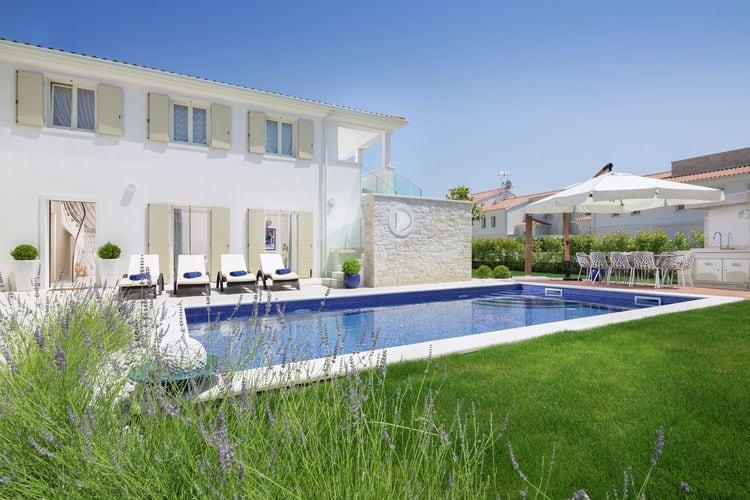 Vabriga Vakantiewoningen te huur Moderne villa met spectaculair panoramisch uitzicht, zwembad, airco, wifi, BBQ