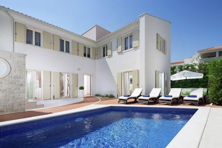 Vabriga Vakantiewoningen te huur Prachtige villa met zwembad, panoramisch uitzicht, moderne design slaapkamers