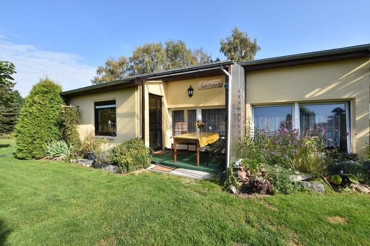 Bungalow  met wifi  Rostock  Rustig gelegen, gezellige bungalow met tuin