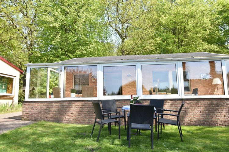 Vakantiehuis  met wifi  Graal-MuritzFerienhaus mit Wintergarten