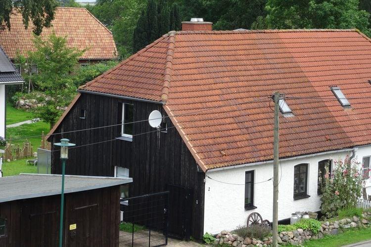 Vakantiewoning  met wifi  Kägsdorf  Vijfkamerboerderij met kachel en overdekt zonneterras