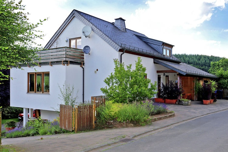 Vakantiehuis  met wifi  EifelGruppenhaus Flucke