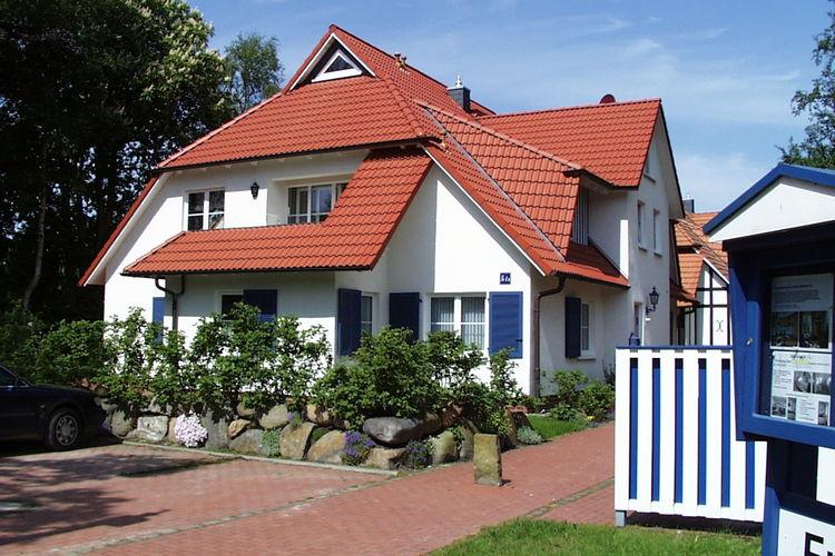 Appartement  met wifi  Prerow  In landhuisstijl gebouwde driekamerwoning