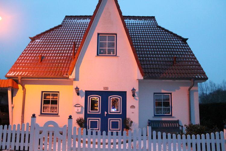 Appartement  met wifi  Boltenhagen  Licht en vriendelijk ingericht tweekamerappartement met terras en barbecue