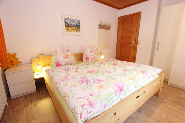 Ref: AT-5752-51 3 Bedrooms Price