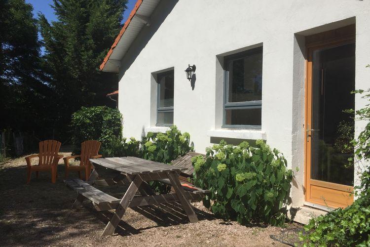 Auvergne Vakantiewoningen te huur Leuke vakantiehuizen op kleinschalig vakantiedomein met zwembad in de Auvergne