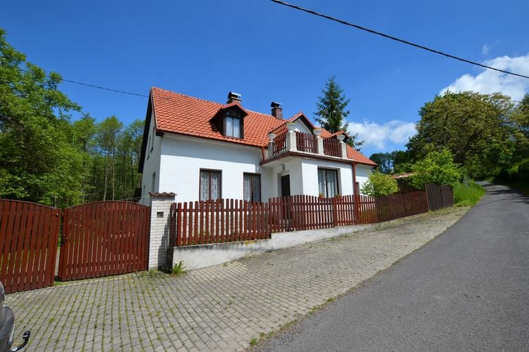 Dolní Týnec Vakantiewoningen te huur Vrijstaand huis met het zwembad en de sauna in het Midden-Bohemen Gerge