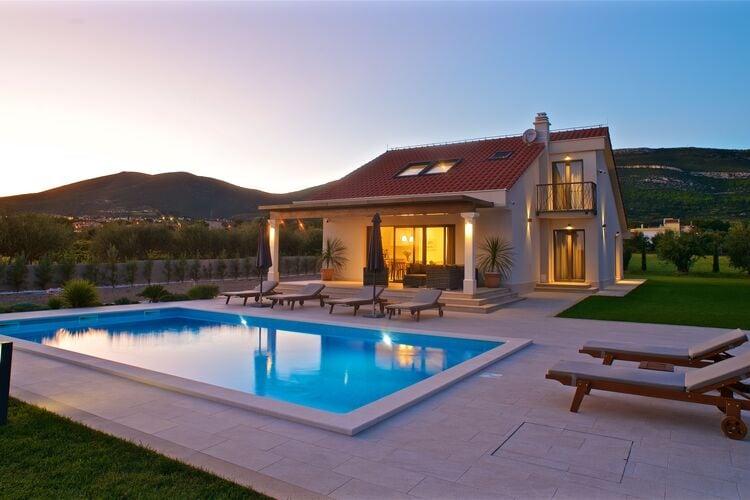 Villa Kroatië, Dalmatie, Kaštel Novi Villa HR-00006-74