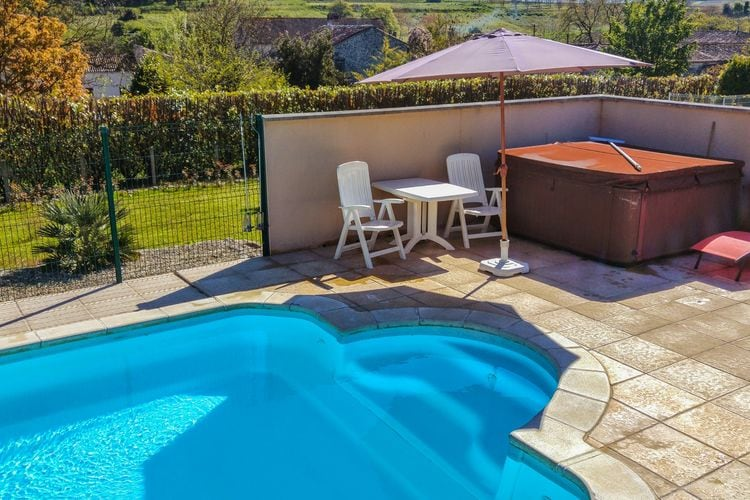 Villa met zwembad met wifi  SegonzacCottage Côte Atlantique