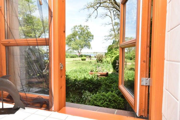 Appartement  met wifi  Boiensdorf OT Stove  Ferienwohnung mit Terrasse auf Wassergrundstück - Nr 5