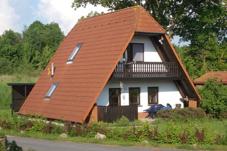 Vakantiehuis  met wifi  Marlow  Das Haus Andrea / kleine Parkanlage