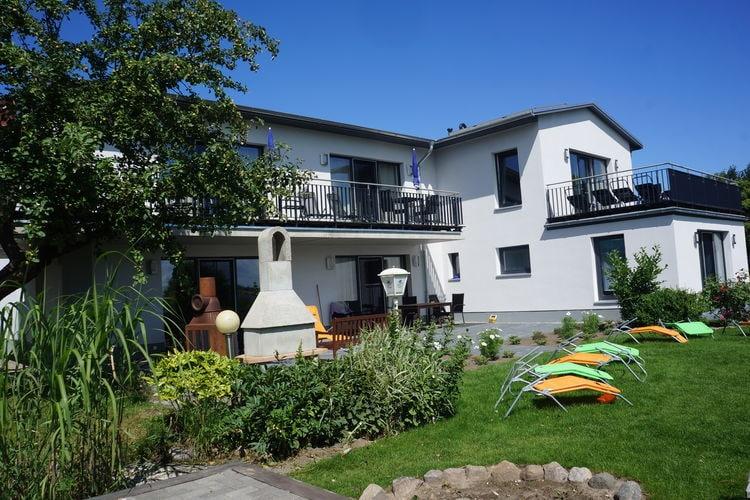 Villa  met wifi  Malchow  Gezellig appartement met balkon en uitzicht op het meer
