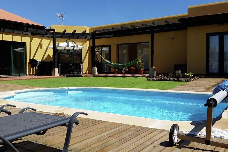fuert Villas te huur Vrijstaande villa met zwembad, rustig gelegen in het noorden van Fuerteventura