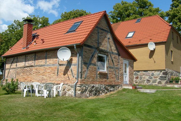 Vakantiehuis  met wifi  Elmenhorst  Platz im Grünen 3