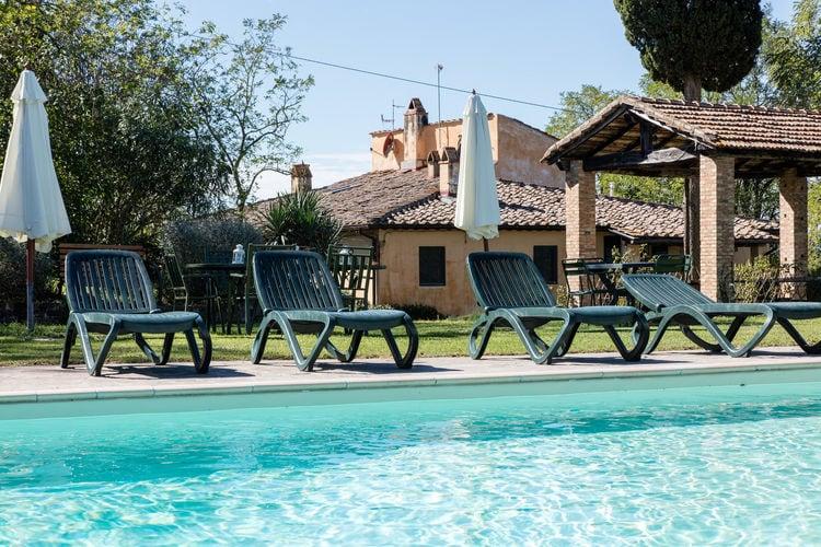 Landarbeiderswoningen op landgoed met zwembad vlakbij Pisa en Florence.