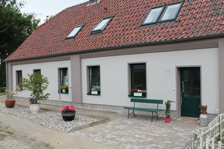 Vakantiehuis  met wifi  DiedrichshagenFerienwohnung Lucky 2 mit Garten Terrasse Spielplatz Pferdewiese