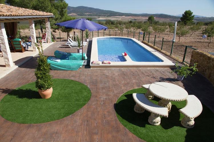 Murcia Vakantiewoningen te huur Unieke Villa,tussen de amandelbomen ,top uitzicht,grote terrassen,privé zwembad,