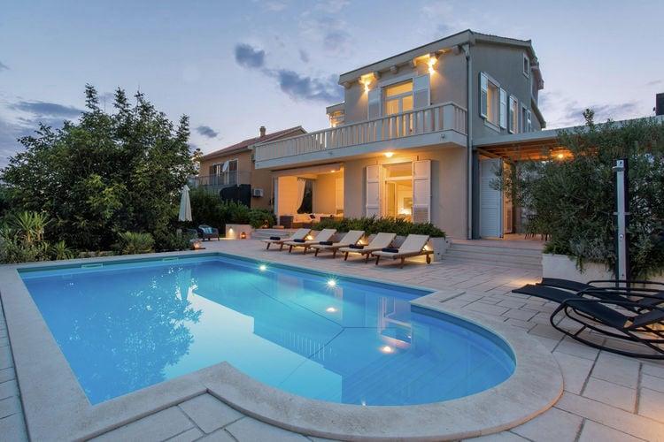 Kroatie | Dalmatie | Villa te huur in Kastel-Stafilic met zwembad  met wifi 11 personen