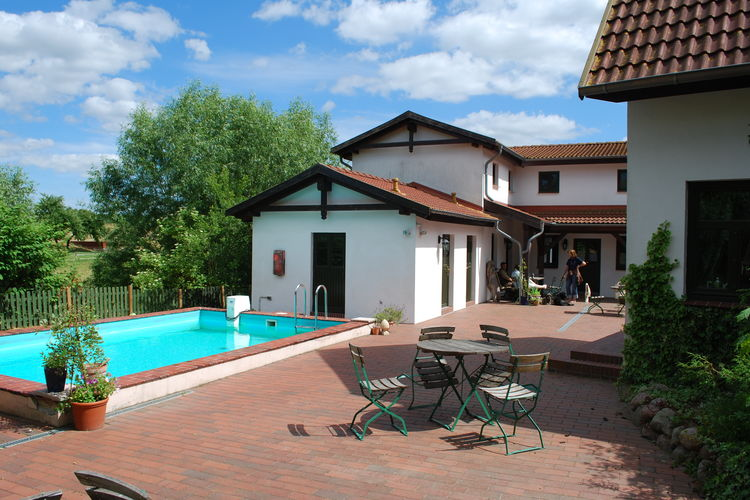 Appartement met zwembad met wifi  Barlin  Rustikale Wohnung Fehmarn