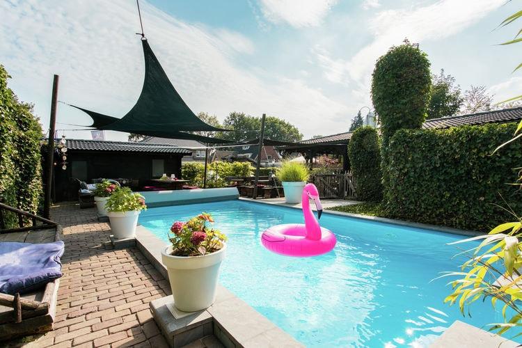 Villa met zwembad met wifi aan zee Gasselte  Zeer sfeervolle accommodatie met privé badkamers, sauna