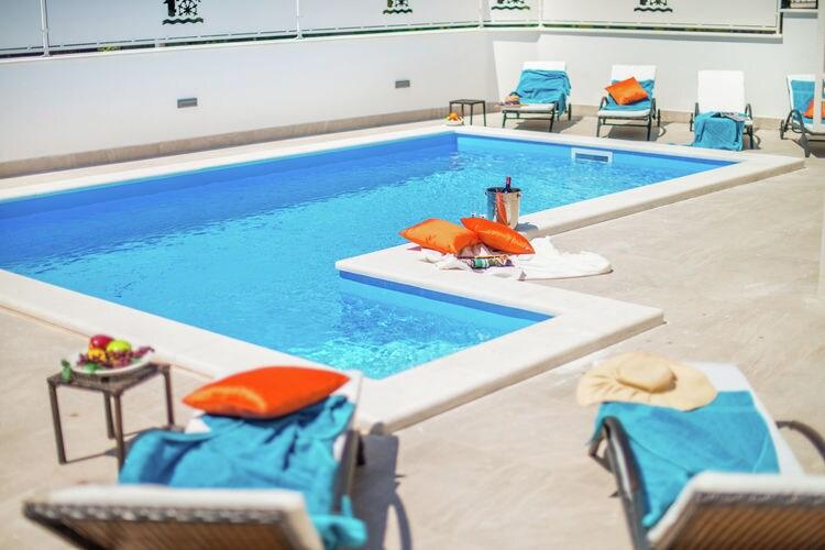Villa Kroatië, Istrie, Novigrad Villa HR-52466-19