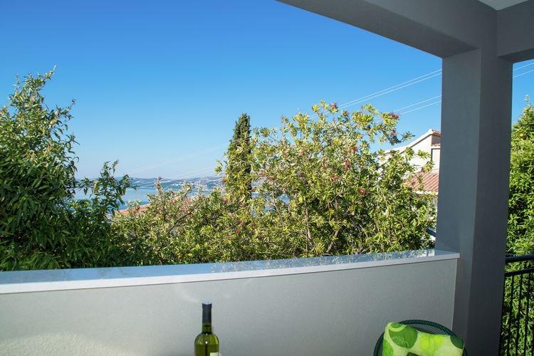 Appartement Kroatië, Dalmatie, Okrug Gornji Appartement HR-00007-51